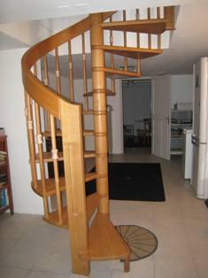 diff rents types d 39 escaliers bois par md escaliers marseille. Black Bedroom Furniture Sets. Home Design Ideas
