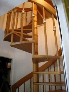 Escaliers helicoidaux bois par md escaliers marseille for Escalier helicoidale marseille