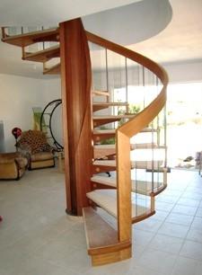 escaliers helicoidaux bois par md escaliers marseille. Black Bedroom Furniture Sets. Home Design Ideas